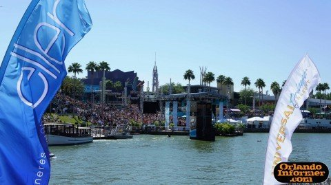 Ellen Degeneres Show at Universal Orlando Kiteman Feather Banners™ and Kite Show Production